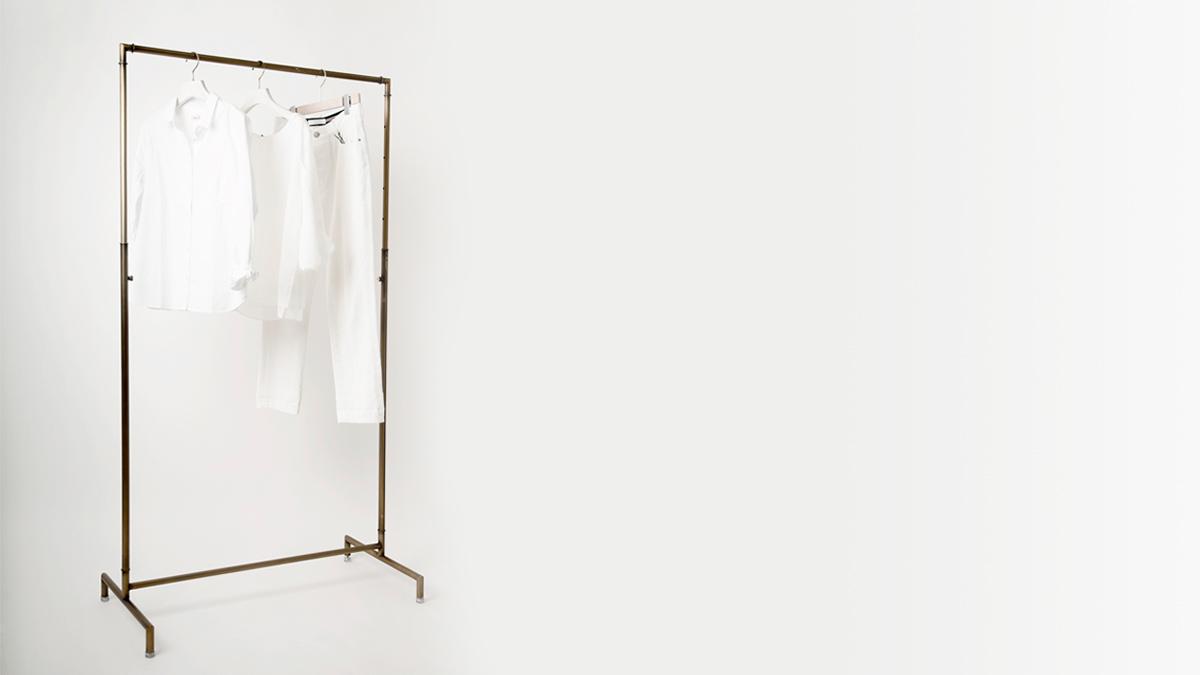 Light Hanger series 「シンプルなデザインのハンガーラック」使いやすい仕上げ・サイズのラインナップを揃えました。